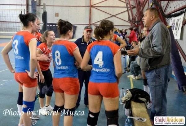 Weekendul trecut a venit cu alte înfrângeri pentru echipele de volei ale Aradului