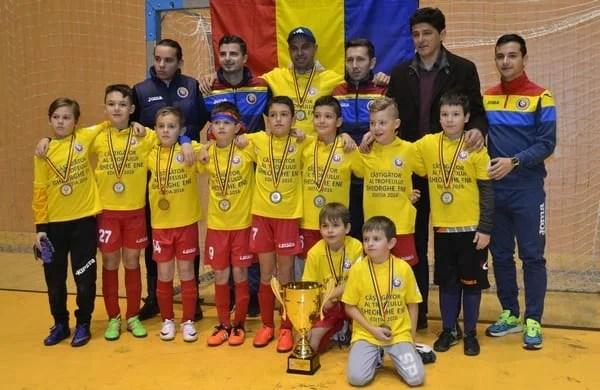 """Interstar Sibiu e campioană la """"Gheorghe Ene"""", Belodedici a înmânat medaliile!"""