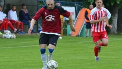 """Photo of Etapa a 24-a în Liga a IV-a Arad: 44 de goluri în ziua schimbării liderului! Capătă a înscris de 6 ori în poarta """"lanternei"""""""