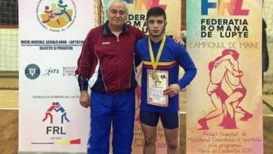 """Photo of Aur național și dinstincția de  """"Maestru al Sportului"""" pentru luptătorul arădean, Mihai Mihuț"""