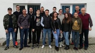 Photo of Sânge proaspăt pentru arbitrajul arădean: 14 absolvenți și o șefă de promoție!