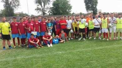 Photo of S-a jucat mini-fotbal de Zilele Orașului Sântana! Pablito a câștigat trofeul, după o finală cu Zărandul