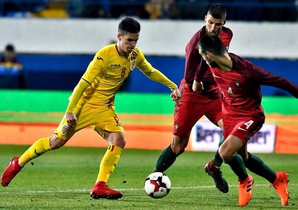 """Arădeanul Man, 79 de minute pe teren pentru """"tricolorii mici"""" în Țara Galilor"""