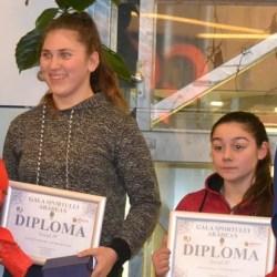 """Șapte medalii internaționale și nouă """"tricolori"""" pentru """"halterele"""" arădene în 2017"""