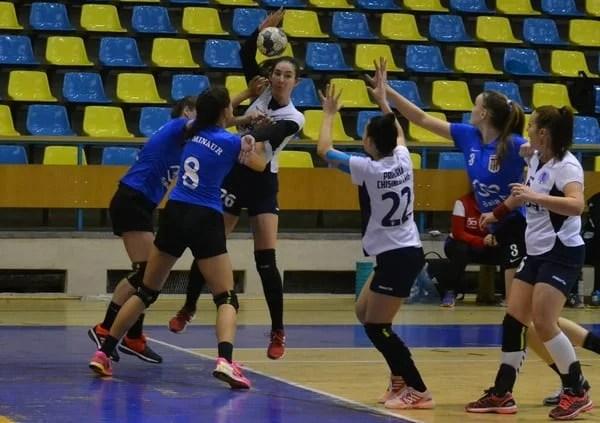 Nicio șansă în fața liderului, dar au oferit golghetera meciului: Crișul Chișineu Criș – Minaur Baia Mare  21-40
