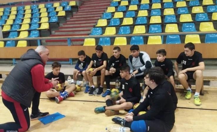 HC Beldiman a câștigat trei meciuri din patru posibile la turneul de juniori de la Arad! Și Sântana a spart gheața