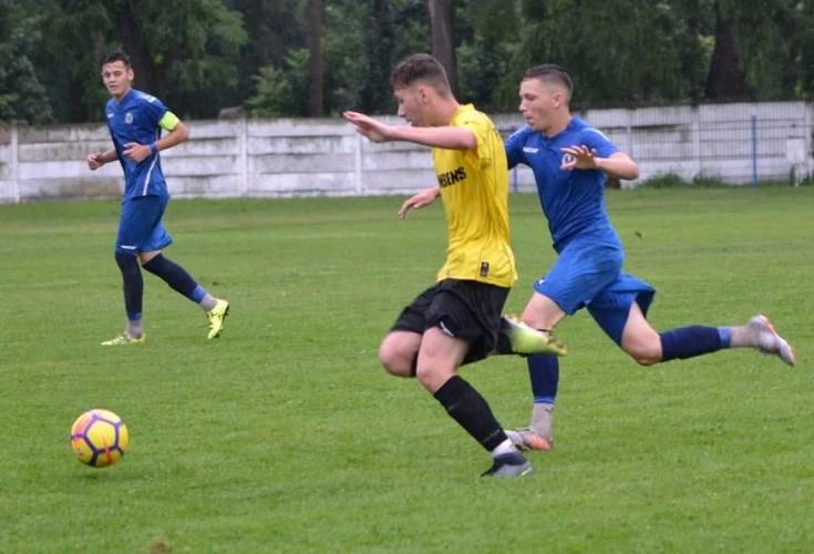 """""""Duș rece"""" în debutul semifinalei la juniori A1: CS Ineu - Universitatea Cluj 2-5"""