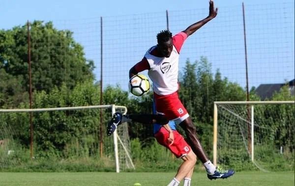 """Senegalezul Benga are ideile clare în """"alb-roșu"""": """"Un ambient ce-mi poate oferi multe, atât la nivel fotbalistc cât și uman"""""""