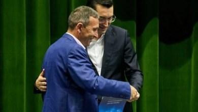 """Photo of Dan Oprescu, al doilea antrenor arădean cu Licență PRO după Ionuț Popa: """"O mândrie, dar studiile trebuie puse în practică prin rezultate"""""""
