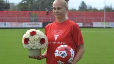 """Photo of Flori și aplauze pentru Monika Brosovszky din partea familiei UTA: """"Emoționată și onorată!"""""""