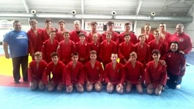 """Photo of 20 de prezențe pe podium pentru luptătorii de sambo arădeni la """"naționalele"""" de juniori și cadeți"""