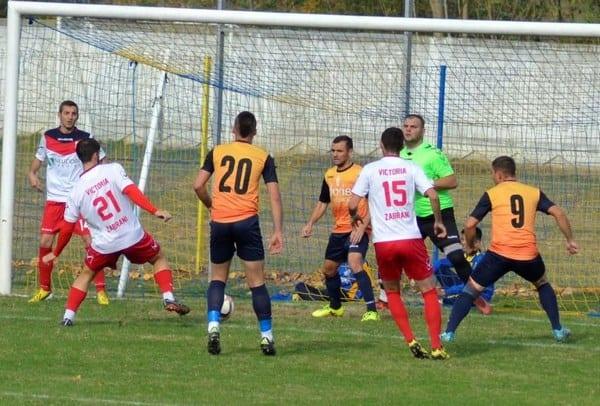 Revenire spectaculoasă în derby pentru fotoliul de lider: Progresul Pecica – Victoria Zăbrani 3-1