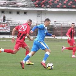 Livetext, ora 14.00: CS Hunedoara - Crișul Chișineu-Criș 1-1, Școlar Reșița - Șoimii Lipova 2-0, final