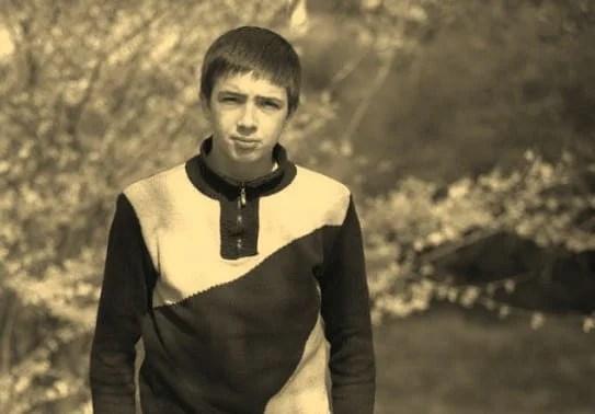 Dramă în fotbalul de la Vladimirescu, un junior al echipei din localitate a murit în condiții suspecte