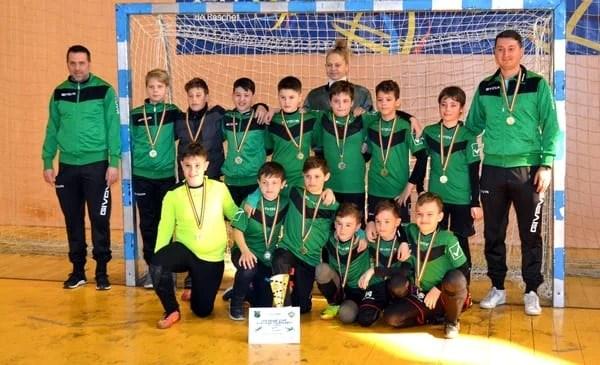 Echipele arădene s-au încălzit mai greu la Cupa Ladislau Brosovszky și au ținut acasă trofeele puse în joc duminică, la 2008 și 2012 + FOTO