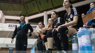Photo of Pentru handbalistele Crișului, victoria calificării matematice la turneul semifinal poate veni odată cu vizita lui CSU Oradea