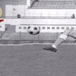 """120 de ani de fotbal în Arad. Legenda """"roș-albă"""", Christos Metskas: """"Prima imagine pe care o am de la UTA este mulțimea de spectatori din tribune"""""""