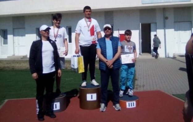 """Motorca - aur în proba de disc la naționalele de aruncări lungi de pe """"Gloria"""", Câmpan și Orianku sunt ceilalți arădeni medaliați acasă!"""