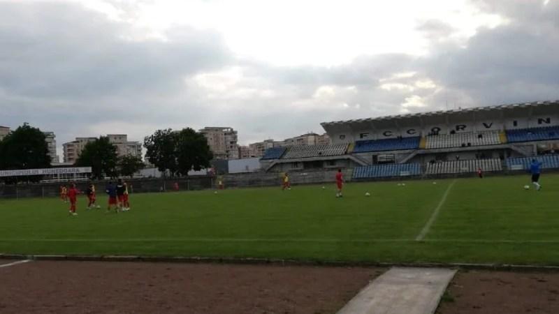 Live-text, ora 18: FC Hunedoara – Gloria Lunca Teuz Cermei 1-2, final