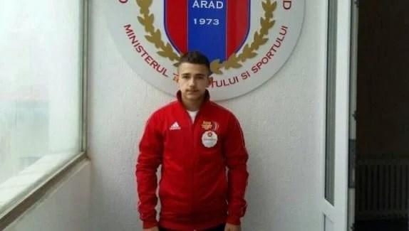 La doar 15 ani, halterofilul Cosmin Krupla a câștigat Cupa României la seniori
