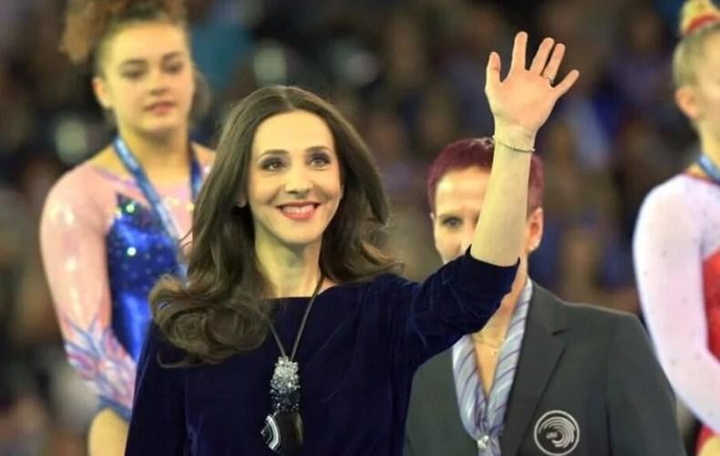 """Andreea Răducan, șefă de ceremonii la """"naționalele"""" de gimastică rezervate juniorilor III, de la Polivalenta arădeană"""