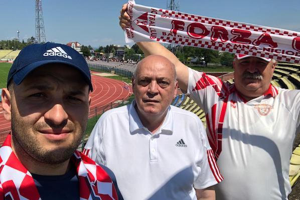 """Trei fani pentru UTA, în Trivale! Unul a venit de la Arad, cu trenul și a trăit și vremuri de glorie: """"Era o încântare...dar - poate - reaprindem flacăra"""""""