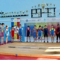 Opt medalii naționale pentru halterofilii CSM-ului, la Botoşani