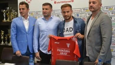 """Photo of Tomozei, soluție pentru ambele benzi în """"alb-roșu"""": """"Te simți fotbalist la Arad!"""""""