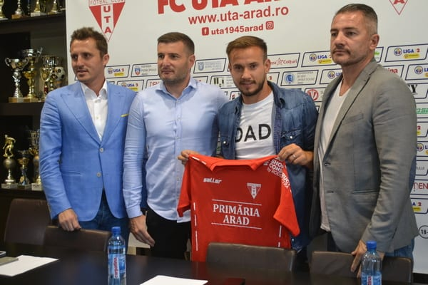 """Tomozei, soluție pentru ambele benzi în """"alb-roșu"""": """"Te simți fotbalist la Arad!"""""""