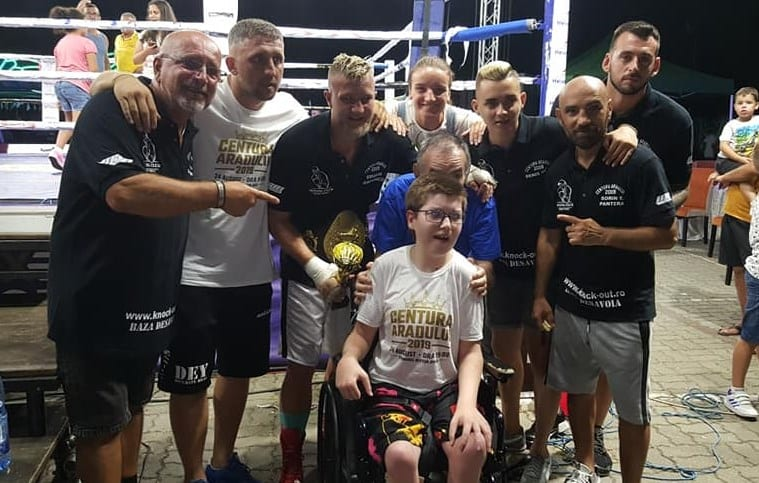 Edi Gafencu - o nouă victorie la profesioniști în fața a 600 de iubitori ai boxului, sensibili la cauza lui Florinel