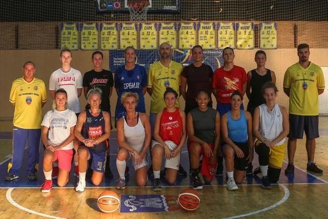 Final de vacanță la FCC Baschet Arad: Dejan Mudreša şi Cristian Bondor au avut 13 jucătoare la reunire!