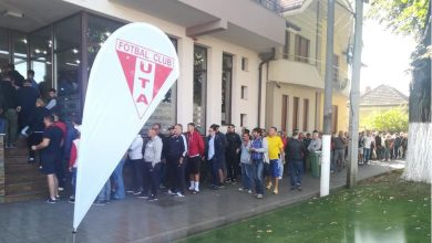 Photo of UPDATE! Biletele la UTA – Dinamo s-au vândut ca pâinea caldă, doar abonații clubului mai au rezervate locurile pe stadion