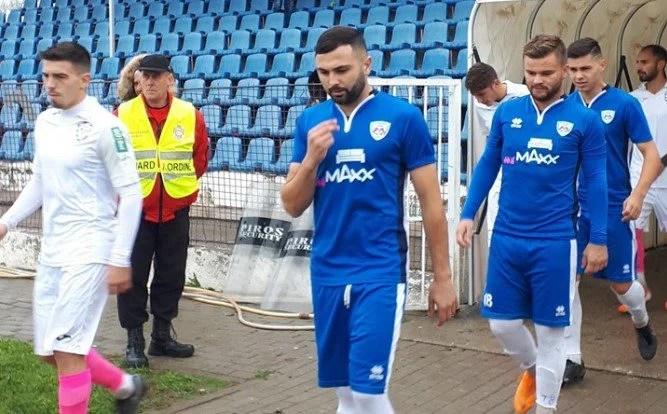 """Șomcherechi își laudă jucătorii la 5-1 cu ACS Poli, dar timișorenii contestă la FRF victoria Naționalului: """"Încălcare a regulamentului"""""""