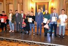 """Photo of Krupla și Dodean au împărțit primul loc la Gala Sportului Arădean, campioana europeană la tenis de masă a devenit """"Cetăţean de Onoare"""""""