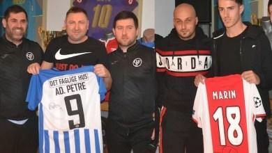 Photo of Tricourile lui Adi Petre și Răzvan Marin au adunat cei mai mulți bani la turneul caritabil, câștigat de UTA
