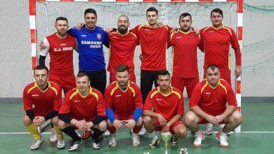 """Photo of Buteniul s-a """"vopsit"""" în Văsoaia pentru al patrulea trofeu la Cupa Sămădăilor +FOTO"""