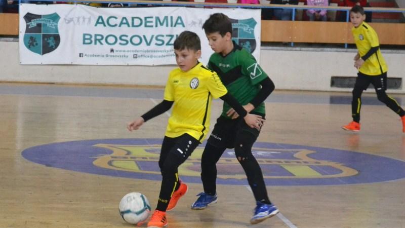 """În weekend, se aleg campioanele la ediția de iarnă a """"Brosovszky Cup"""""""