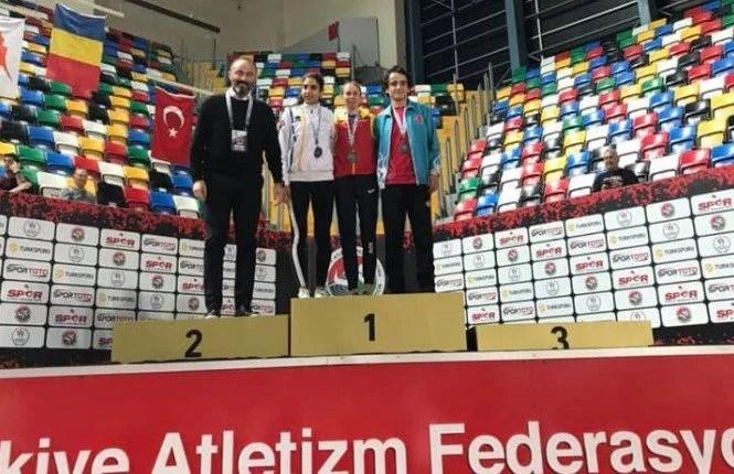 """""""Studenta"""" Roxana Bîrcă, dublă medaliată la """"Balcaniada"""" din Turcia"""