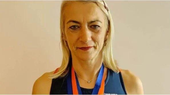 Profesoară de educație fizică și sport, triplă medaliată la Balcaniadă!