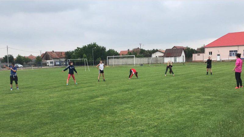 Handbalistele Crișului au făcut primul test de COVID-19 și au trecut la alergări și exerciții în aer liber