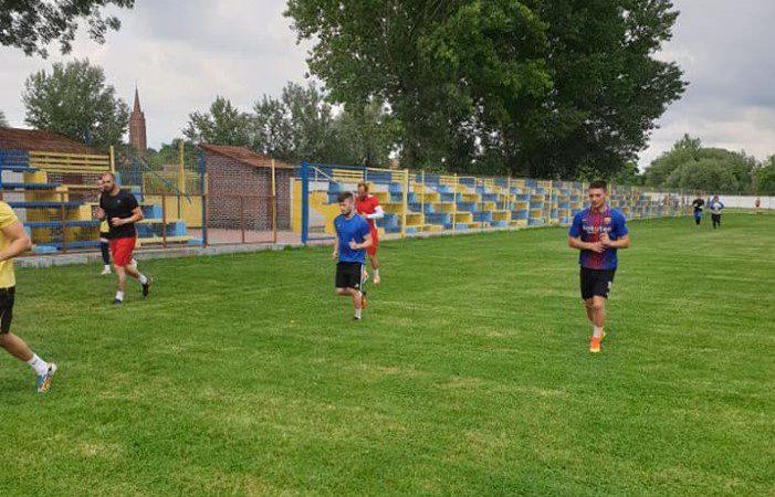 """Pecicanii au demarat pregătirea pentru sezonul ce debutează pe 29 august: """"Pauza a fost lungă, e de tras pentru a reveni ritmul competițional"""""""