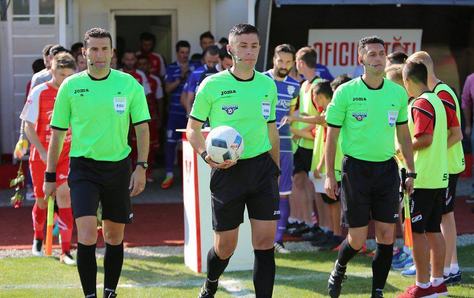"""Radu Petrescu o arbitrează în premieră pe UTA în Liga 1, arădeanul Hațegan – delegat la """"șocul"""" play-outului, Viitorul – Astra"""