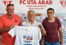 """Photo of Tricou de campion pentru Gabi Biro la împlinirea a 75 de ani: """"Bucuria e mare că echipa pe care o iubim a promovat în Liga I, să avem încredere în Balint!"""""""