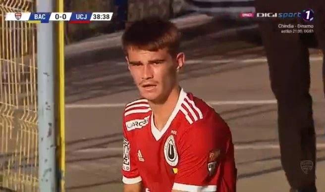 """Încă un debut arădean în Liga 2-a: Crescut de Ineu, Denis Mâneran joacă lângă Tamaș sau Goga la U. Cluj: """"E mai ușor când simți încredere din partea tuturor"""""""