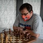 """Arădeanul Vlad Miculiț a câștigat turneul amatorilor la Festivalul de Șah din Arad, """"argintul"""" a mers la lipovanul David Bălăceanu!"""