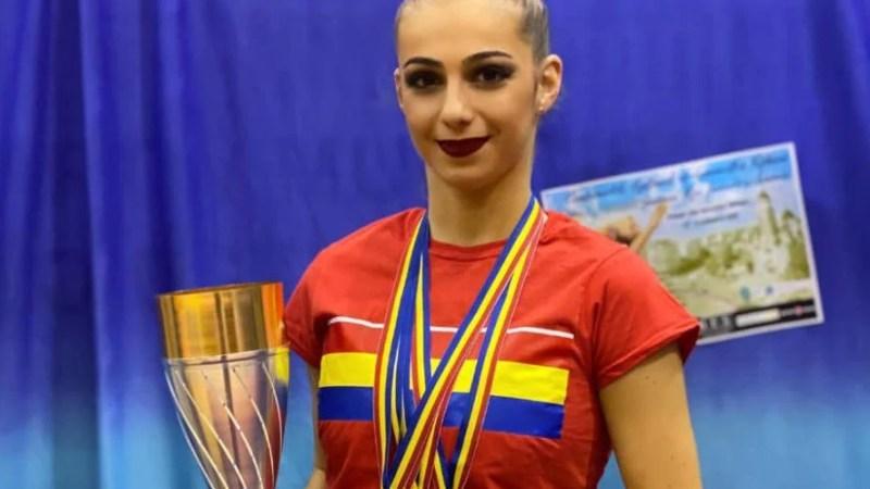 Sonia Ichim, vedeta Aradului la naţionalele de ritmică! Medalii pentru junioarele şi echipele CSM-ului