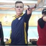 """Pistolarii de la CSM Arad au început în forţă sezonul de aer comprimat, Joldea – premiat pentru cel mai bun rezultat al competiţiei de la """"Pădurice"""""""
