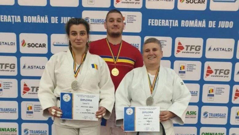 Arădeanul Kunszabo – la primul titlu național de seniori, Podelenczki și Kabat sunt vicecampioane naționale de judo