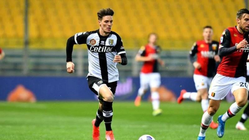 Man a ratat două ocazii importante pentru Parma în eșecul cu Genoa: Echipa arădeanului pierde teren important în lupta pentru supraviețuire în Serie A!