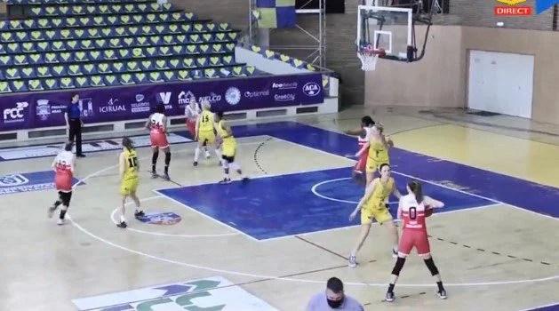 """Semifinala se încheie în trei acte, """"galben-albastrele"""" vor juca pentru bronz: FCC Baschet UAV Arad – CSM Satu Mare 61-77"""